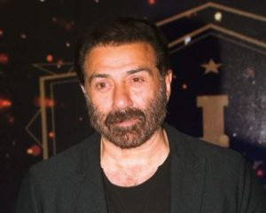 After 16 years, Sunny Deol talks about his fallout with Shah Rukh Khan on the sets of Darr